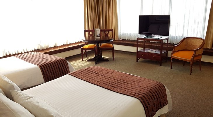 The  Sercotel Torre de Cali Plaza Hotel  Classic offers spacious ...